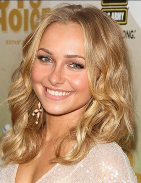 Medium Length Wavy Hairstyles for Round Faces