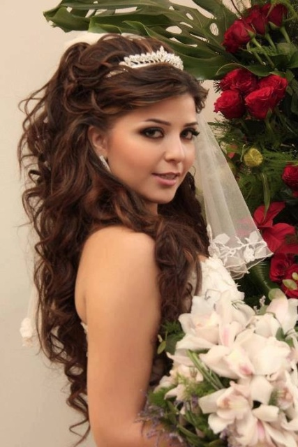 14 wedding hairstyle ideas for long hair circletrest wedding hairstyles for long thick hair junglespirit Gallery