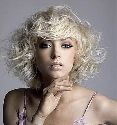 White Blonde Wig and Hairstyle For Square Faces