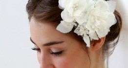 15 Glamarous Wedding Hair Flowers to Accessorize Your Wedding Hair
