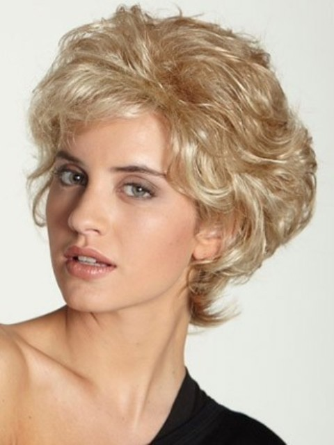 16 Cute Short Hairstyles for Curly Hair To Make fellow Women ...