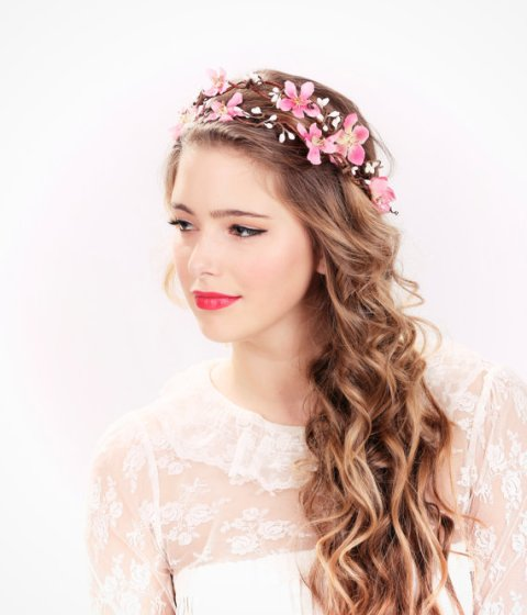 Wedding Hairstyle With Crown: 16 Minimalistic Bridal Hairstyles For Long Hair