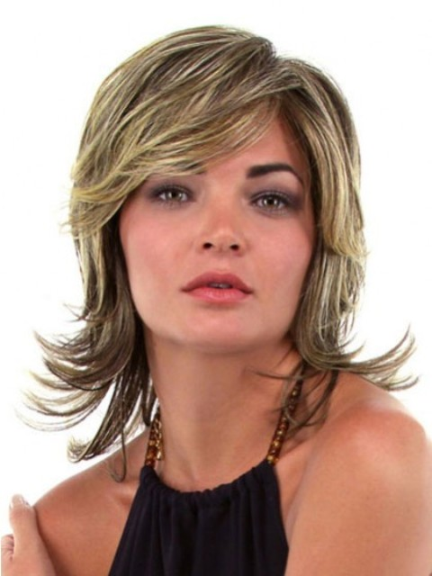 Medium layered hairstyles for round faces