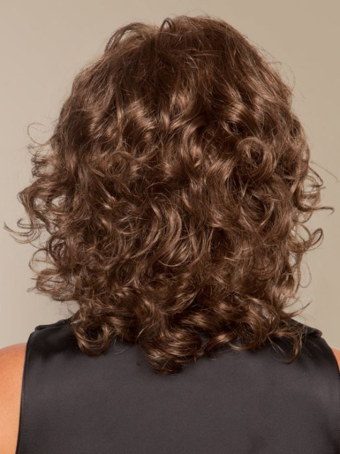 Curly Shoulder Length Hairstyles for Round Faces-2