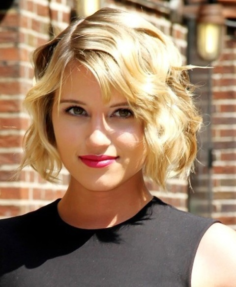 31 Hot Easy Short Hairstyles With Styling Tips Circletrest