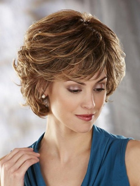 Timeless Short Hairstyles for Older Women over 50 – CircleTrest