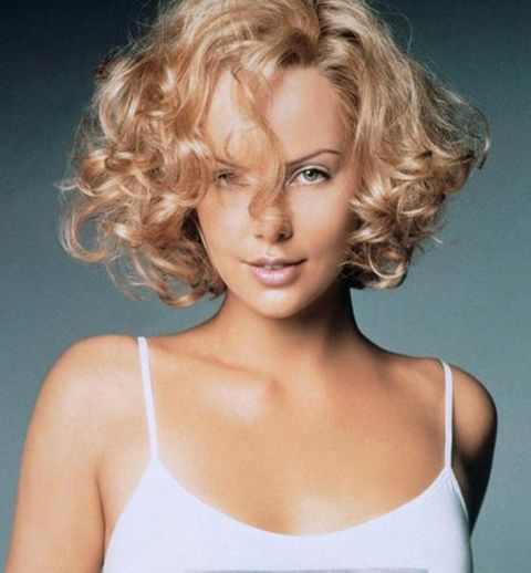 Charlize Theron - bob with defined waves