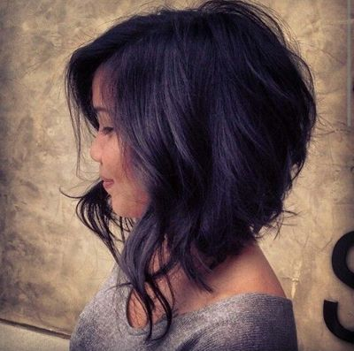 Inverted bob with beachy waves
