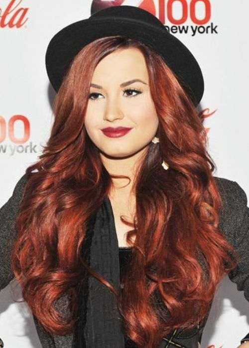 Medium red auburn - Demi Lovato