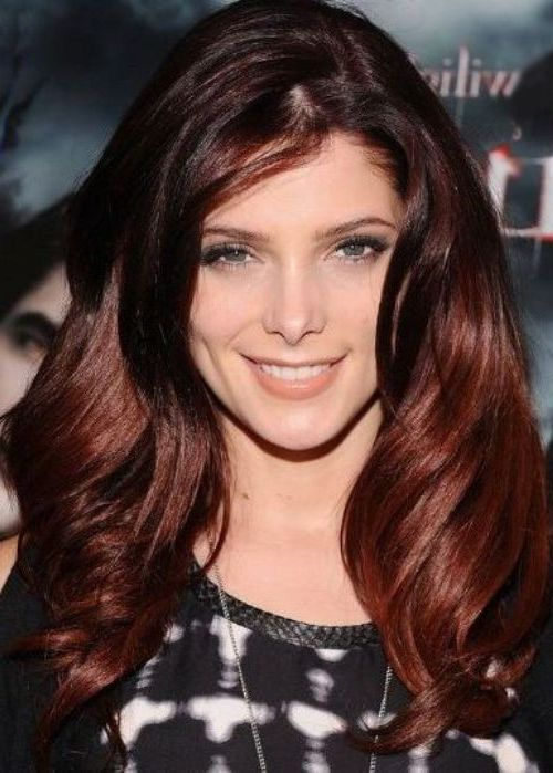Two shades auburn - Ashley Greene