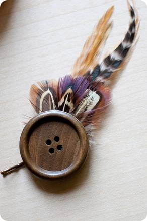 Feather and button hairpin